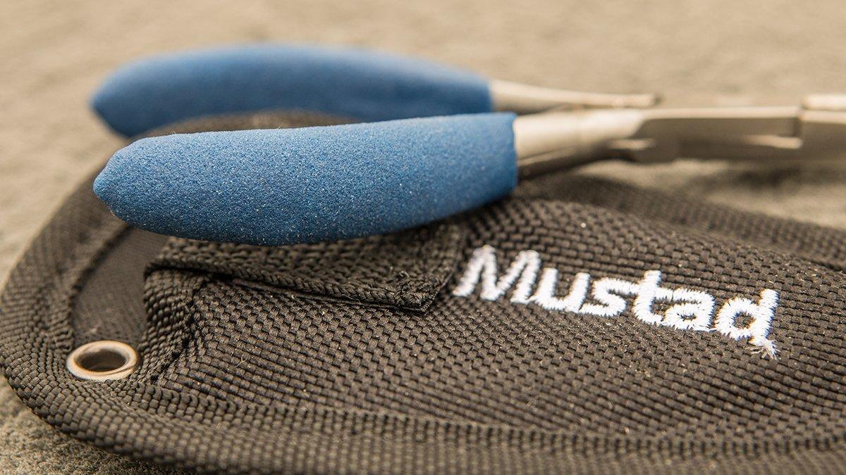 mustad-titanium-micro-ss-split-ring-pliers-grip.jpg