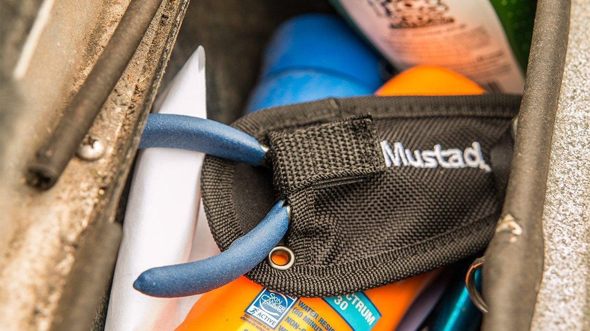 mustad-titanium-micro-ss-split-ring-pliers-in-boat.jpg