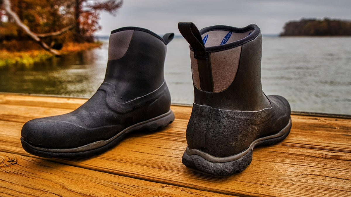 muck-boot-on-dock-off-8.jpg