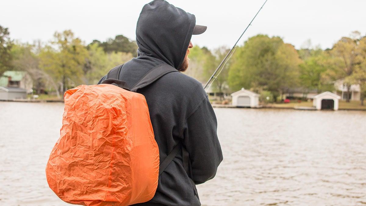 piscifun-fishing-tackle-backpack-waterproof-cover.jpg