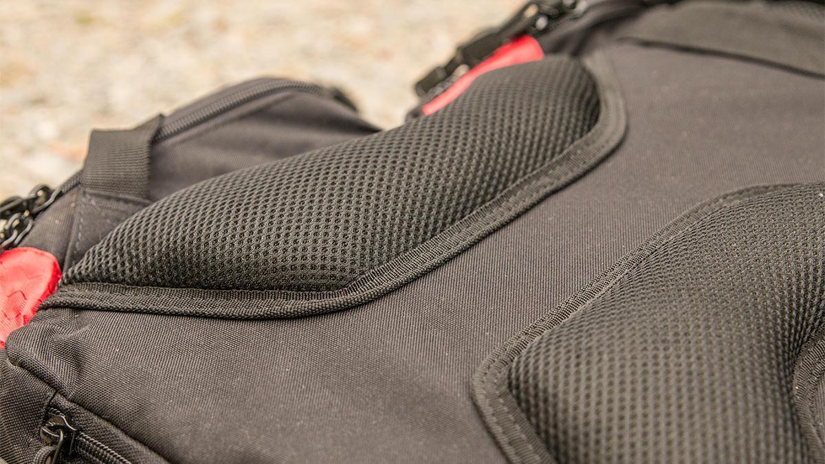 piscifun-fishing-tackle-backpack-padding.jpg