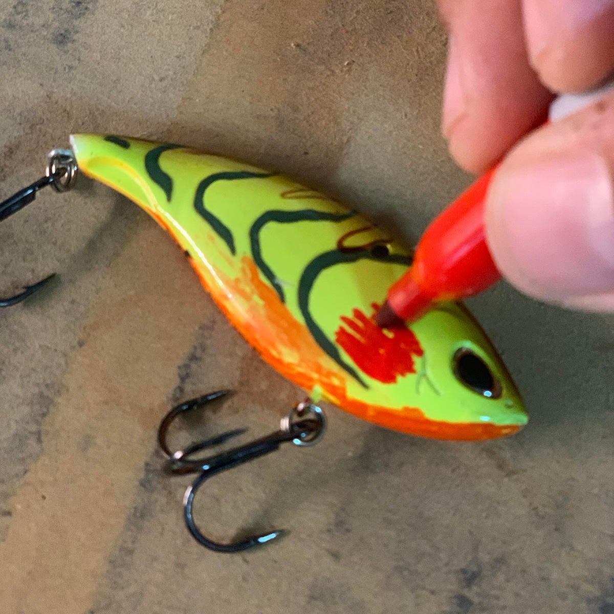 Change Fishing Lure Colors on the Fly - Wired2Fish com