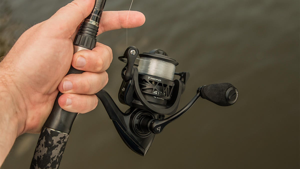 piscifun-carbon-x-spinning-reel-in-hand.jpg
