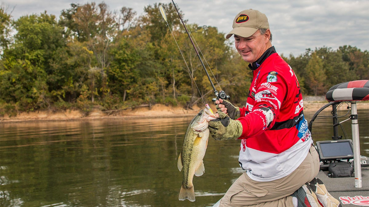 adding-a-grub-to-your-topwater-lures-fish-catch.jpg