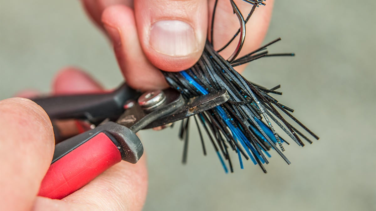 reduce-short-strikes-when-jig-fishing-for-bass-2.jpg