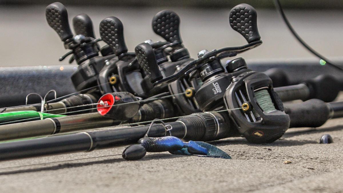 punching-junk-mats-for-bass-fishing-5.jpg