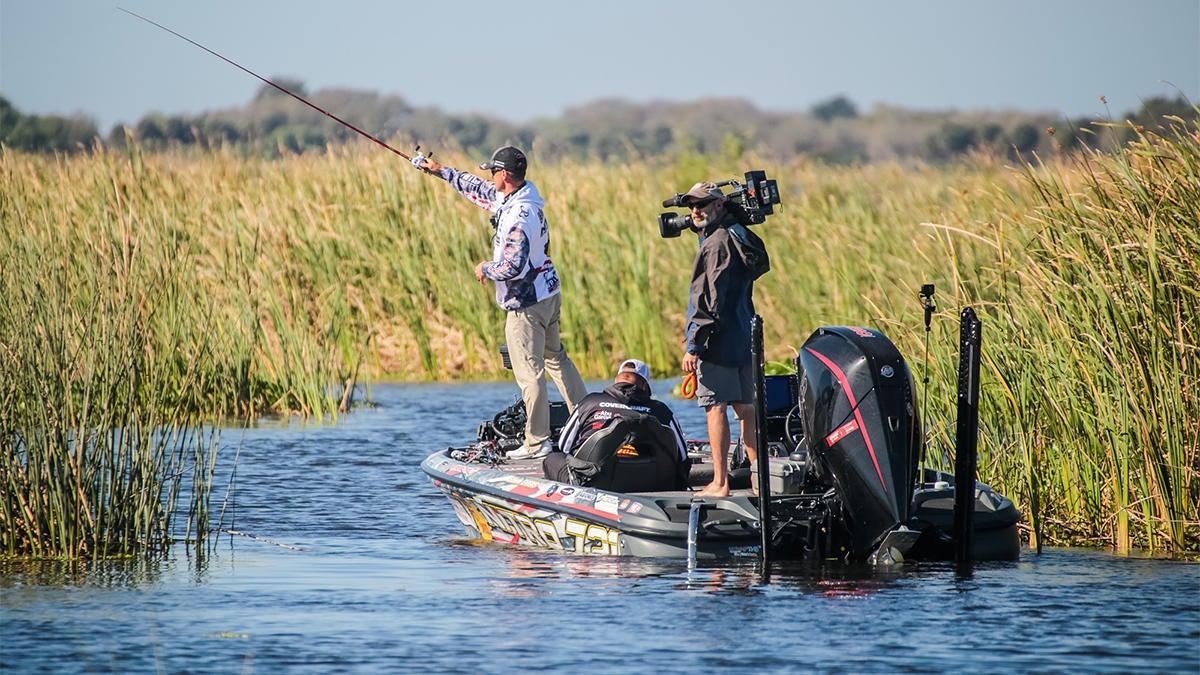 professional-bass-fishing-tournament-idea-for-world-championship-5.jpg