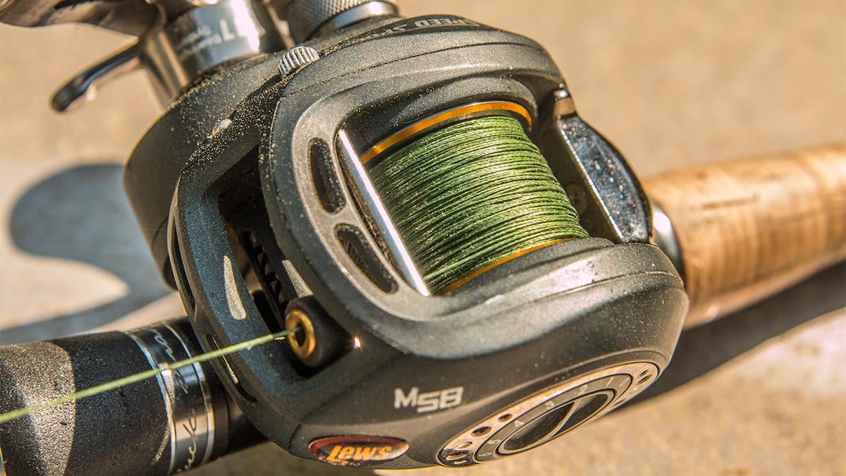 sufix-131-g-core-braided-fishing-line-review-for-bass-fishing-3.jpg