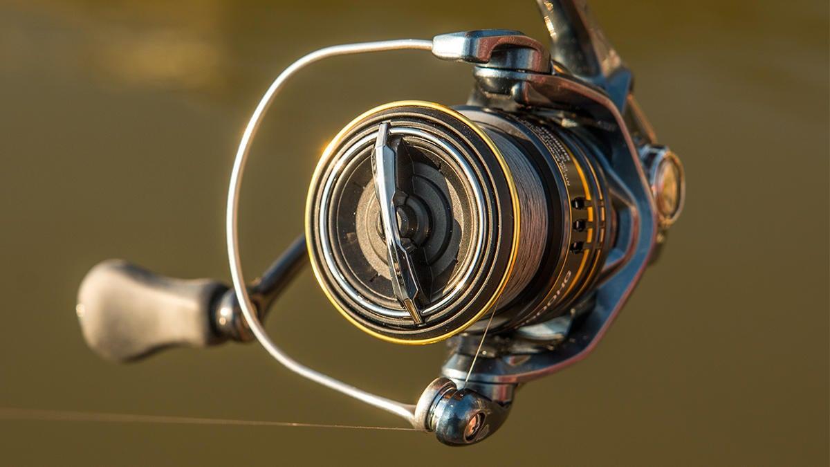 shimano-ultegra-bass-fishing-spinning-reel-2.jpg