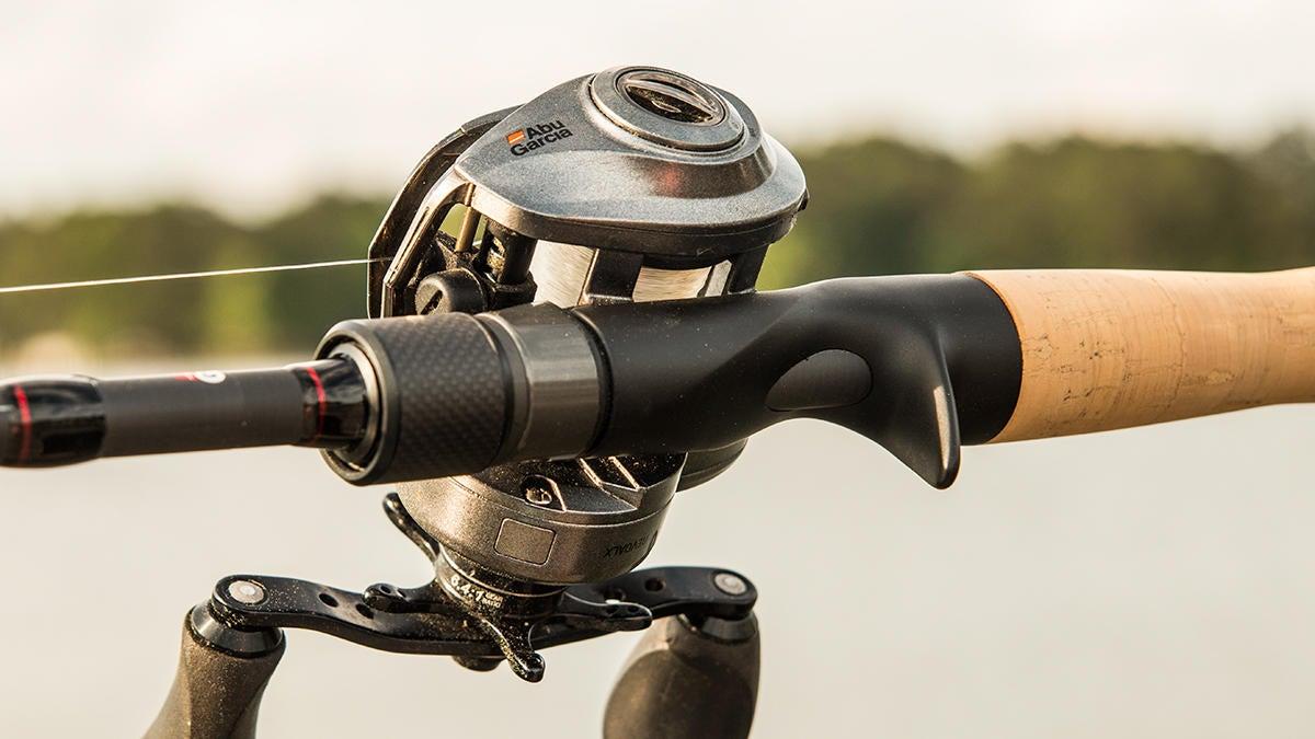 abu-garcia-winch-casting-rod-for-bass-fishing-review-2.jpg