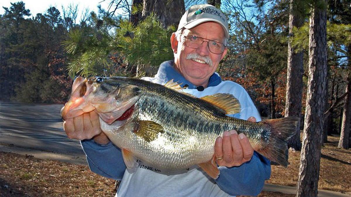 oklahoma-state-record-largemouth-bass.jpg