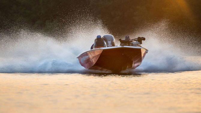 Aluminum vs  Fiberglass Bass Boats - Wired2Fish com